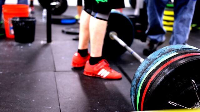 kreuzheben in gewichtheberschuhen